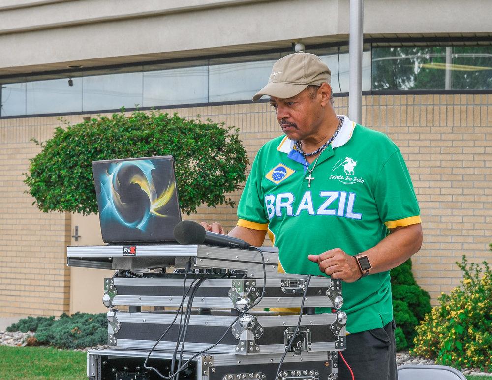 DJ GLENN.JPG