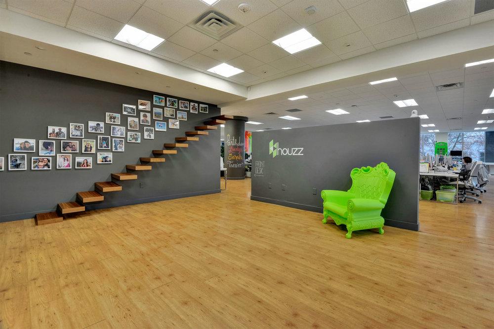 houzzHQ-002-10-Lobby-Expanded-View_L@2x.jpg