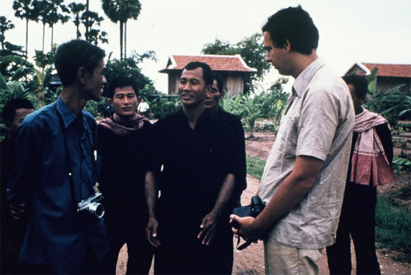 GUNNAR BERGSTROM SPEAKS WITH KHMER ROUGE LEADERS AT A COOPERATIVE IN TAKEO PROVINCE. (GUNNAR BERGSTROM)