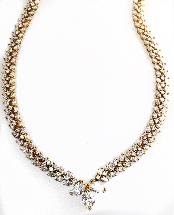 18K Yellow Gold Marquise Diamond Necklace.