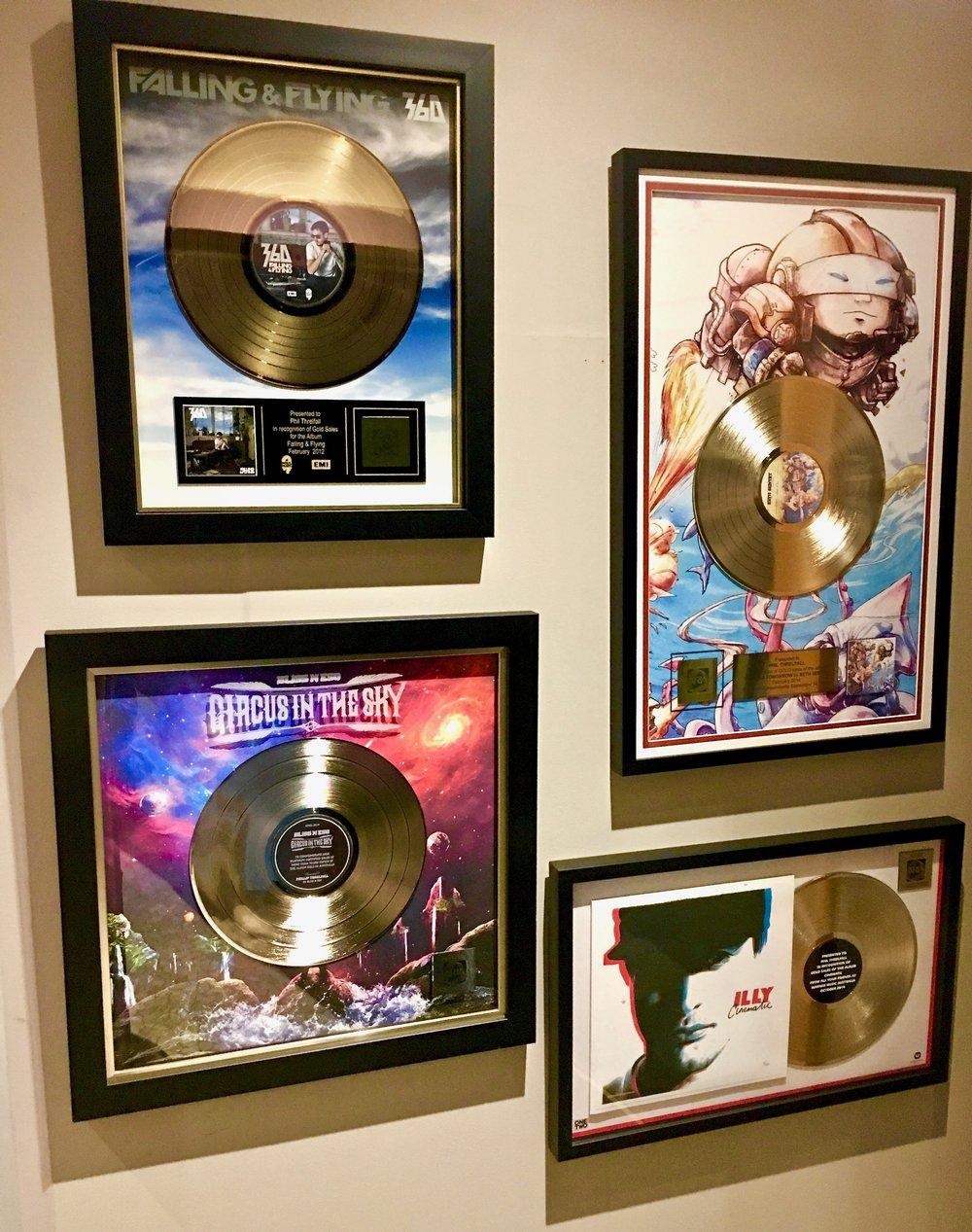 Platinum Plaques Gold Plaques
