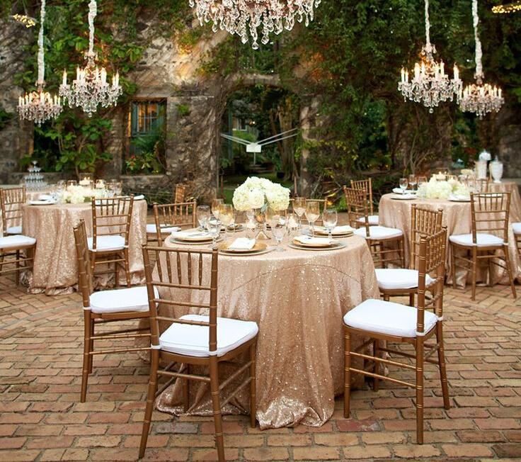 gold chiavari chair with white cushion