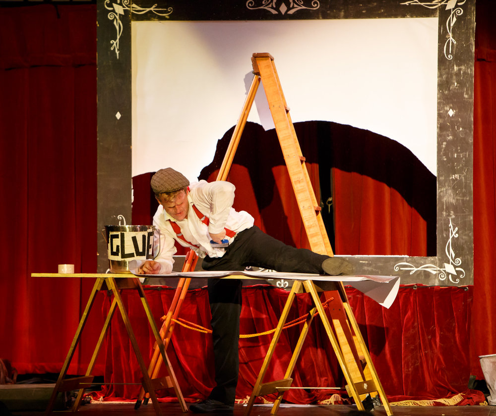 Pictured: 'Wallpapering' the screen (Thomas Flanagan,  Kaput! ).  Picture Credit: Creative Futures Photography