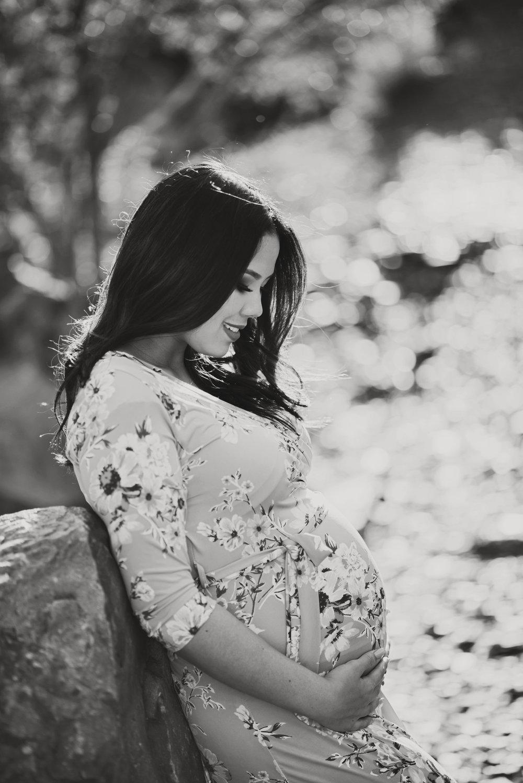Kindy_Maternity053bw.jpg