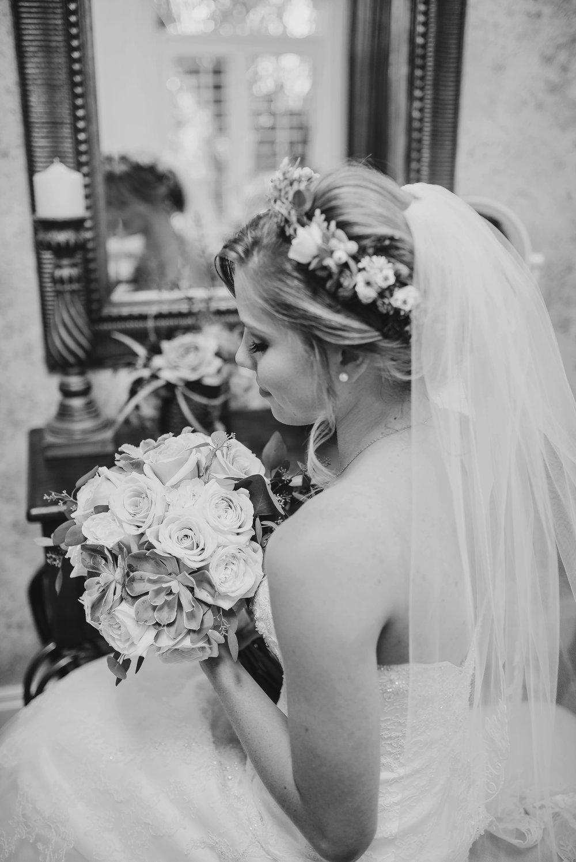 Chelsie_Wilson_Wedding006bw.jpg