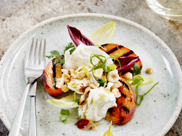 Fred-and-Ginger-gallery1-Wedding-grilled-peach-salad.jpg