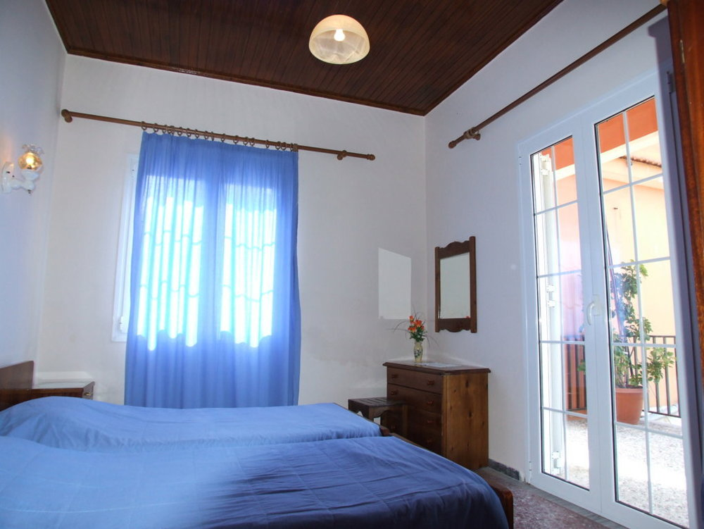 Mihalis House (10).JPG