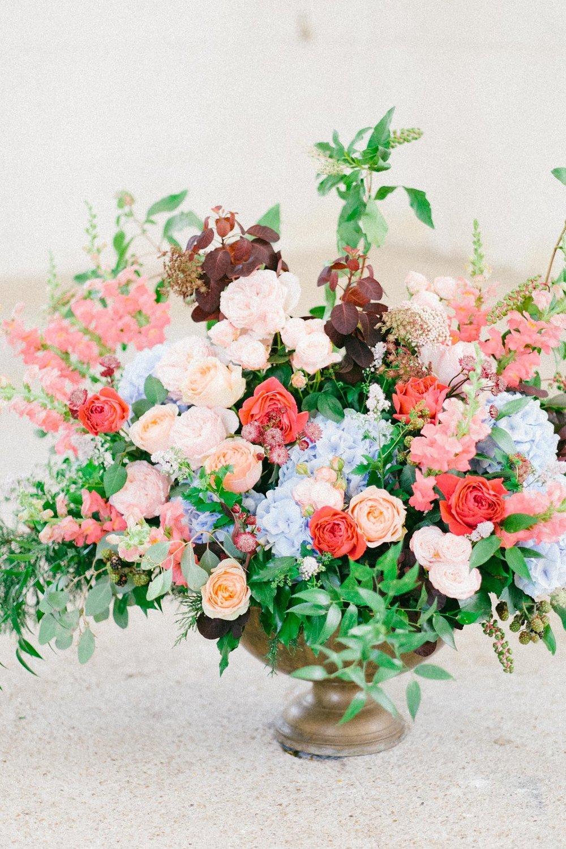 Bouquet de fleurs autel