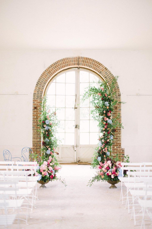 Arche asymetrique cérémonie laique