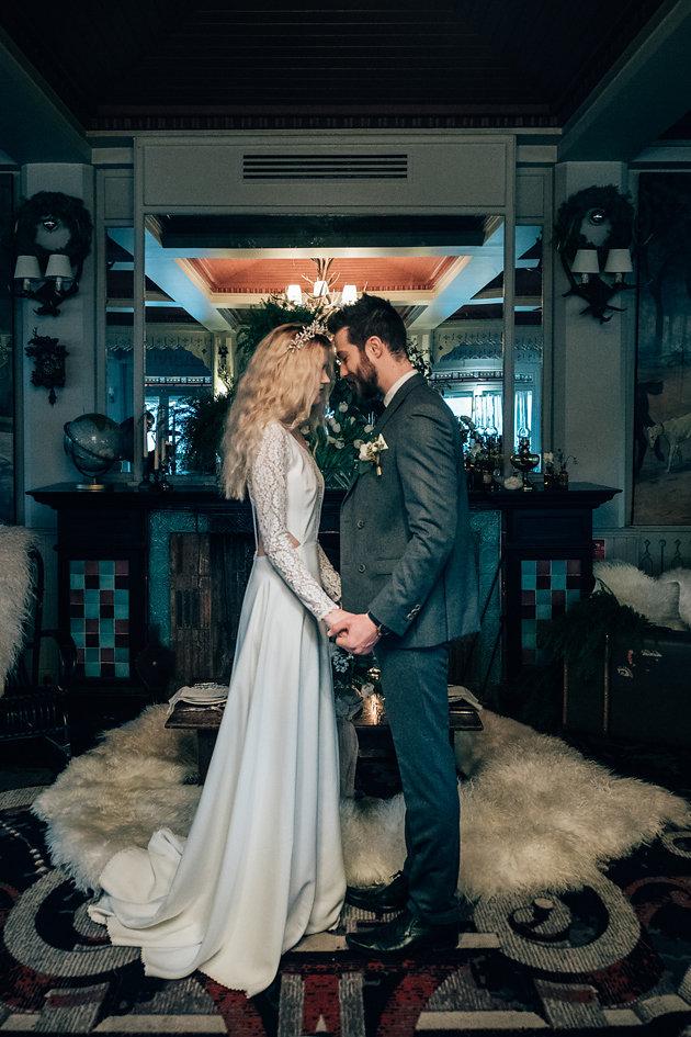 drissia-fleuriste-mariagepierreatelier-photographe-mariage-paris-chaletdesiles-063.jpg