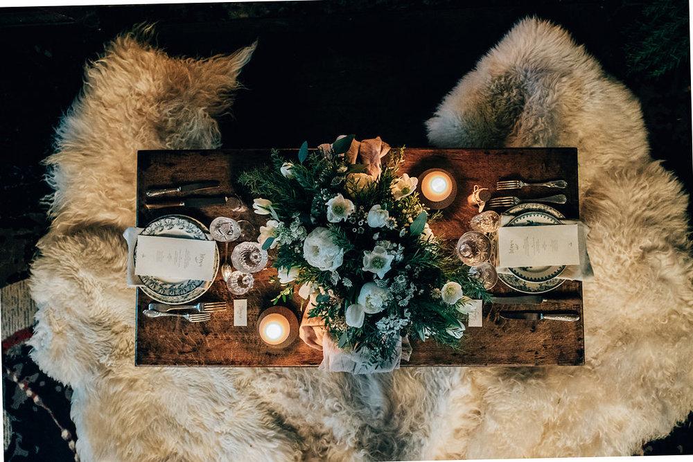 drissia-fleuriste-mariagepierreatelier-photographe-mariage-paris-chaletdesiles-088.jpg