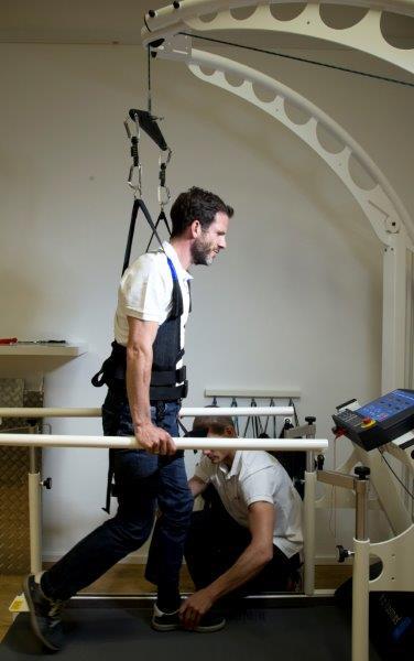 Der Airwalk: Stufenlose Gewichtsentlastung, vorwärts/rückwärts, 25 prozent bergauf und bergab und von 0,1 bis 22 Stundenkilometern.