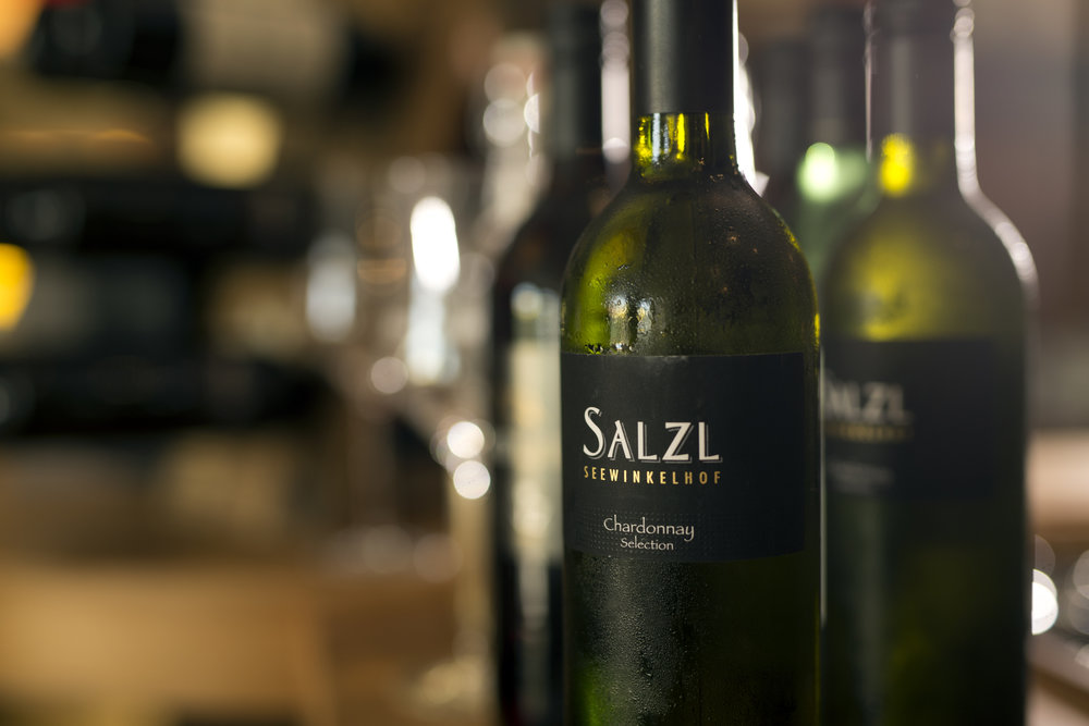Die Hauptzutaten der Schmankerl kommen aus Österreich, genauso wie die Weine.