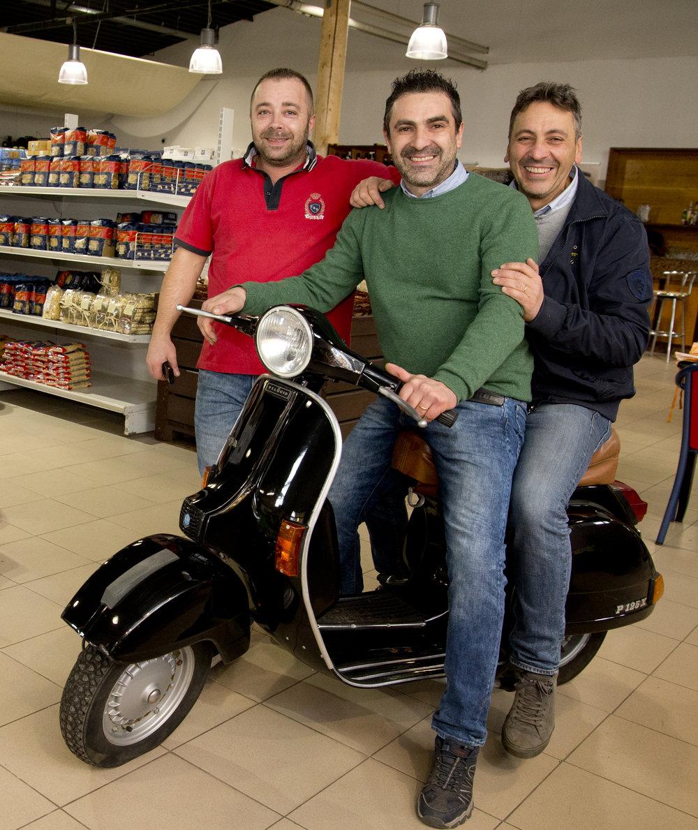 Mit Massimo und Sergio Iacenda geht im Tutti Gusti die Sonne Italiens auf – Aurelio Tudor zaubert außerdem jeden Mittag drei herrliche italienische Gerichte auf den Teller.