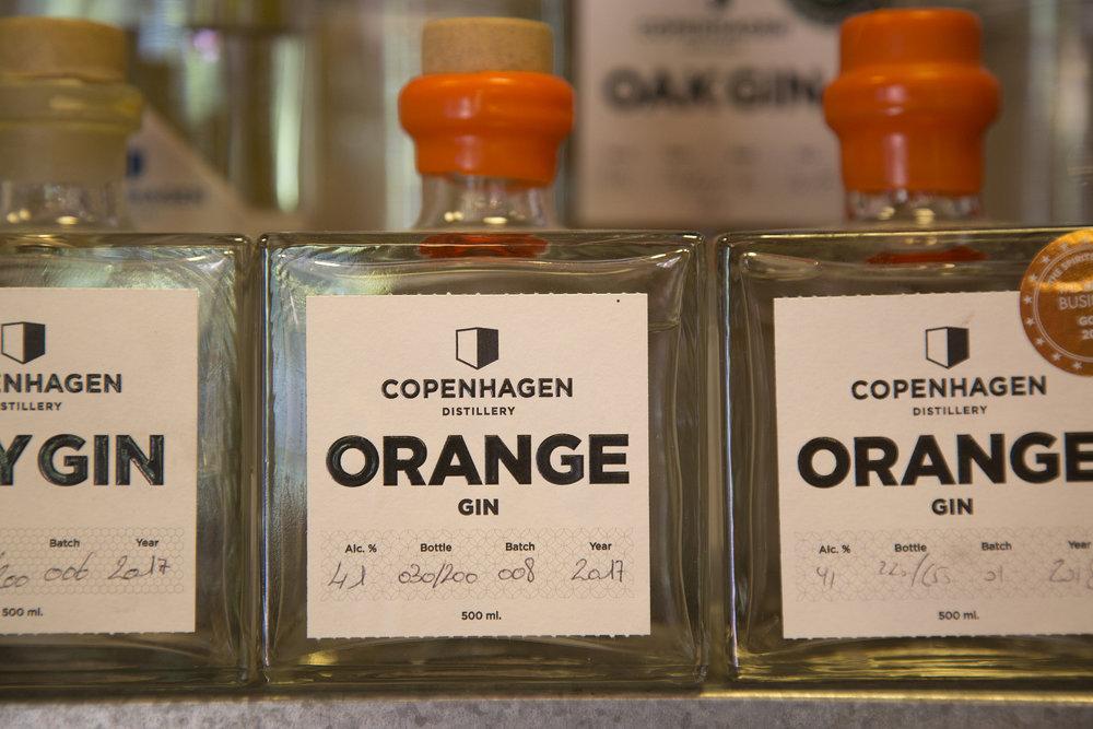 Der Gin stammt aus Kopenhagen – aus einer kleinen Destillerie, die nur 250 Flaschen in sieben Sorten im Jahr produziert.