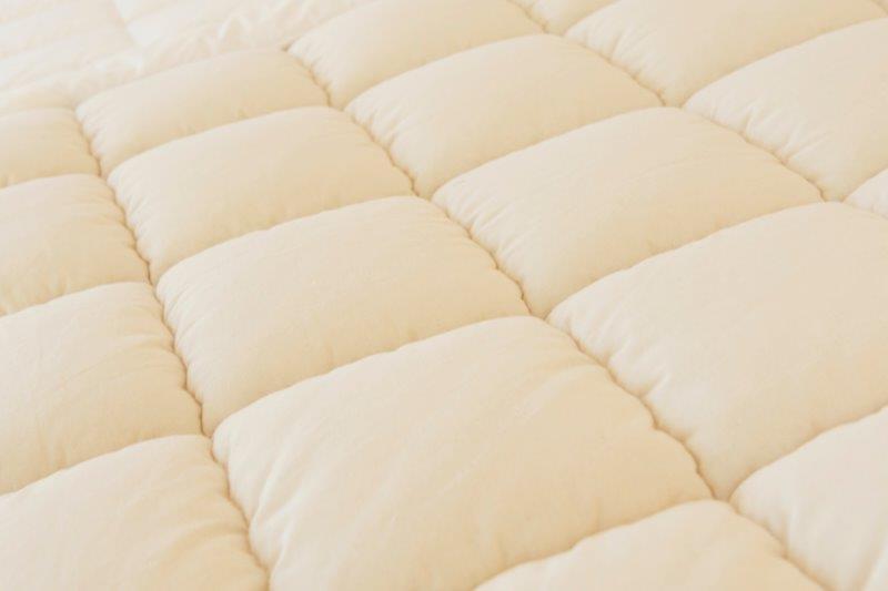 Ein Traum sind die natürlichen Auflagen und Decken …