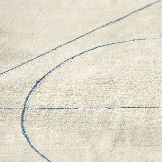 Detail of our Lima rug.  Hand-knotted to order in Nepal.  #rugs #handknotted #interiordesign #luxuryinteriors #interiors #interiordecor #decor #wool #line #tibetanknot #undyedwool #textileart #nepal #craft #minimalism #tibetanwool #simplicity #geometry #knotted #craft #bespoke #indigo #madetoorder #modernist #luxury #limitededitionrugs #goodweave #aiio