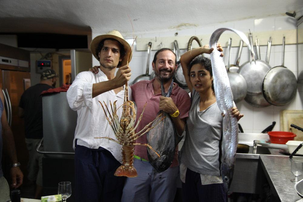 Louis, Mani und Golshifteh in der Küche vom La Marina  © Valerie Soschynski