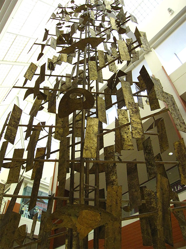 05_Harry_Bertoia_Southdale_RetroLoveAffair.jpg