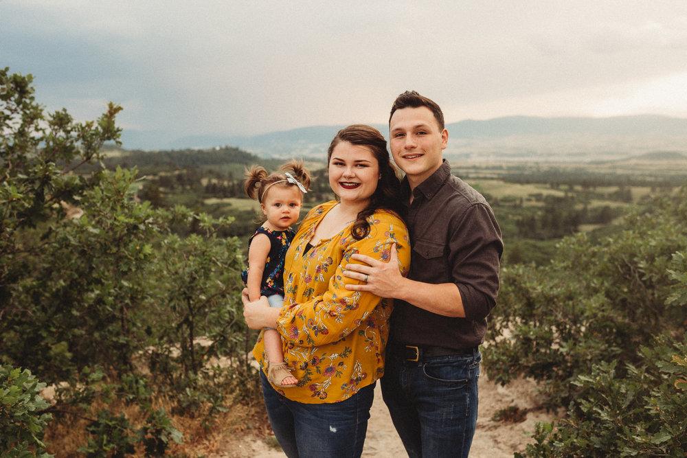 Pregnancy-Announcement-Daniels-Park-Lonetree-Denver-Family-Photographer (22 of 25).jpg