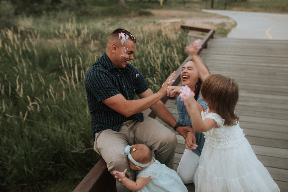 Cake - Smash - Turned - Cake - Fight - 17 - Mile - Farmhouse - Denver - Family - Photographer (14 of 42).jpg