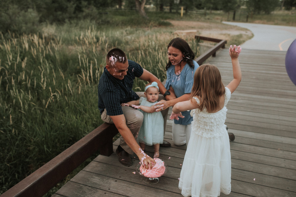Cake - Smash - Turned - Cake - Fight - 17 - Mile - Farmhouse - Denver - Family - Photographer (18 of 42).jpg