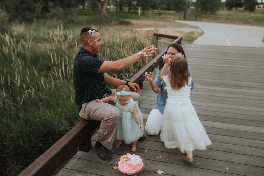 Cake - Smash - Turned - Cake - Fight - 17 - Mile - Farmhouse - Denver - Family - Photographer (20 of 42).jpg