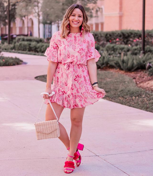 @amazonfashion ftw once again👏🏼 this dress is only $17 and so perf for spring! Also comes in like 10 other prints if pink isn't your thing😅 http://liketk.it/2AGwC #liketkit @liketoknow.it #LTKunder50