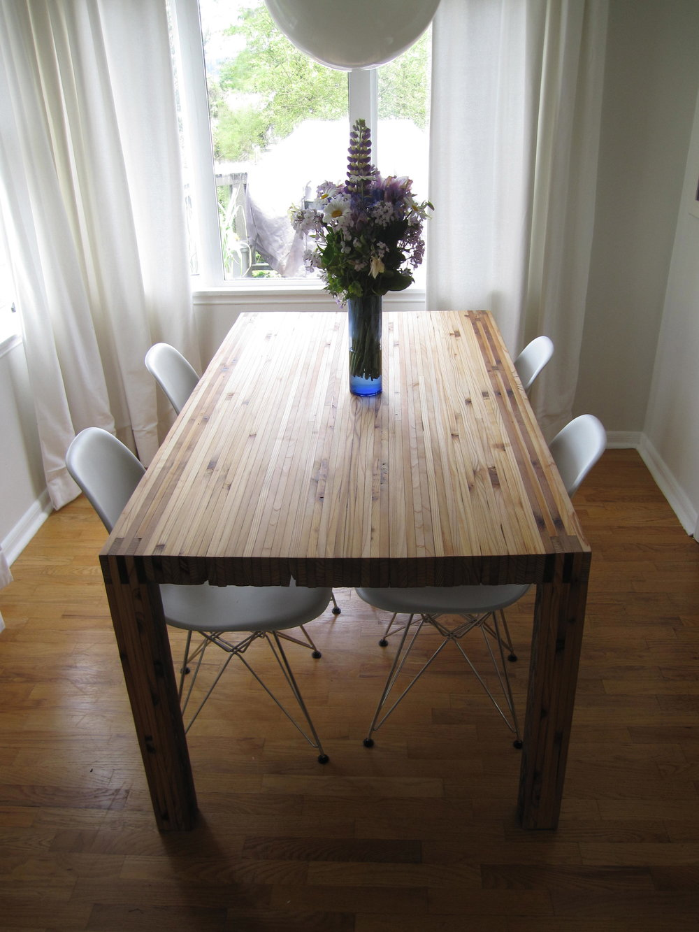 table-in-michael-and-kari-lises-dining-room_7243257060_o.jpg