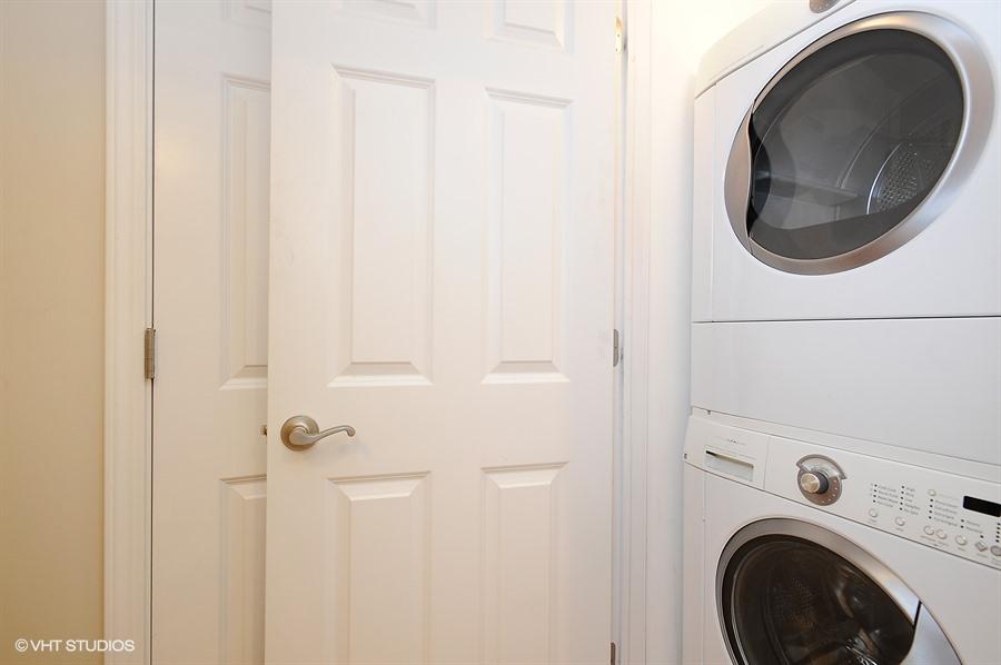 14_1640WestOhioSt_1F_44_LaundryRoom_LowRes.jpg