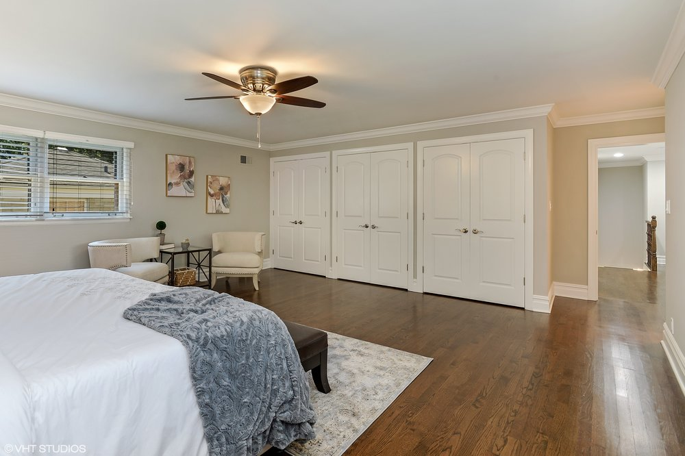 13_6739NorthLeroyAve_178_MasterBedroom_HiRes.jpg