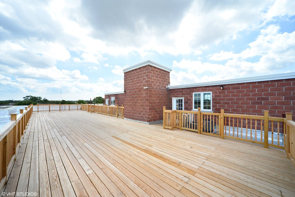 13_3234NorthCentralAve_206_188_RoofDeck_HiRes.jpg