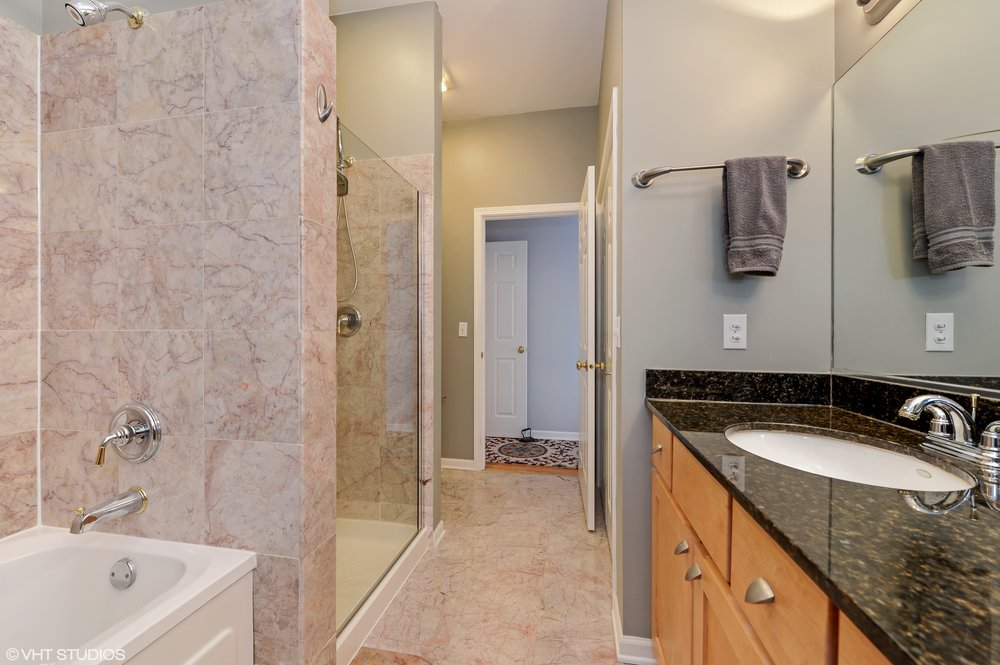 07_1615NCampbellAve_Unit3S_168_MasterBathroom_HiRes.jpg