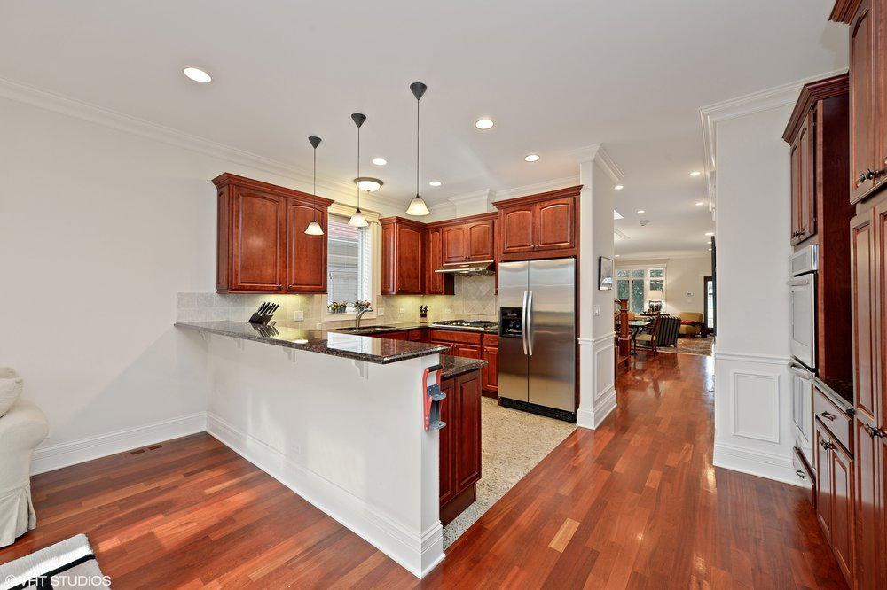 06_3212SouthThroopSt_5_Kitchen_HiRes.jpg