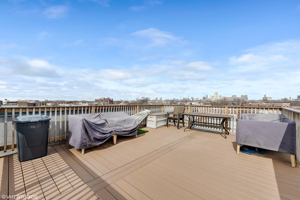 15_1745NorthClybournAve_3N_188_RoofDeck_HiRes.jpg