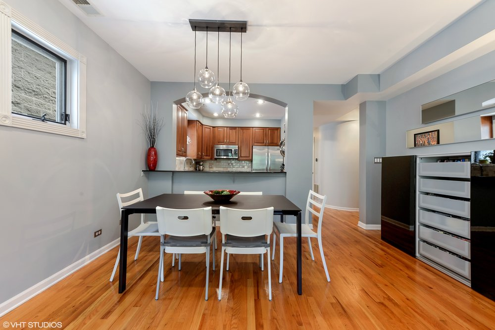 07_1413WCuylerAvenue_Unit2E_2_DiningRoom_HiRes.jpg