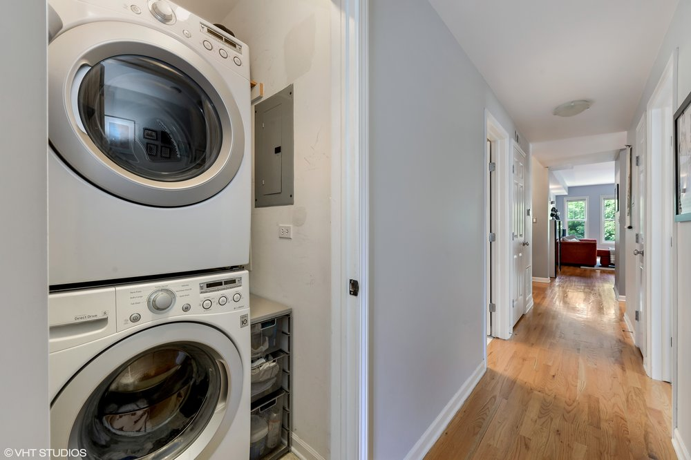 14_1413WCuylerAvenue_Unit2E_44_LaundryRoom_HiRes.jpg