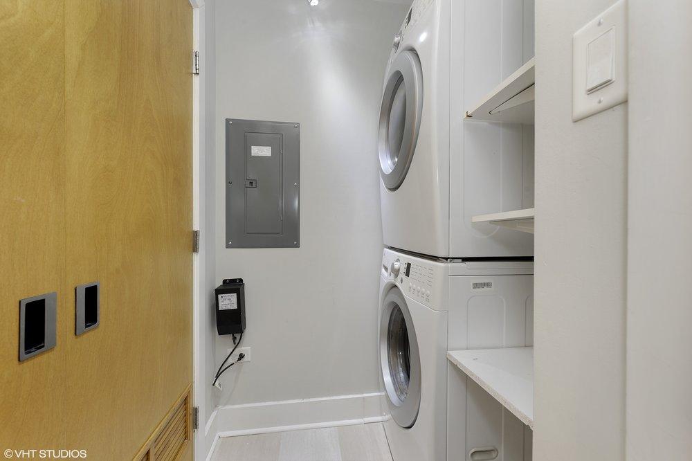 19_1529WestChestnutSt_101_44_LaundryRoom_HiRes.jpg