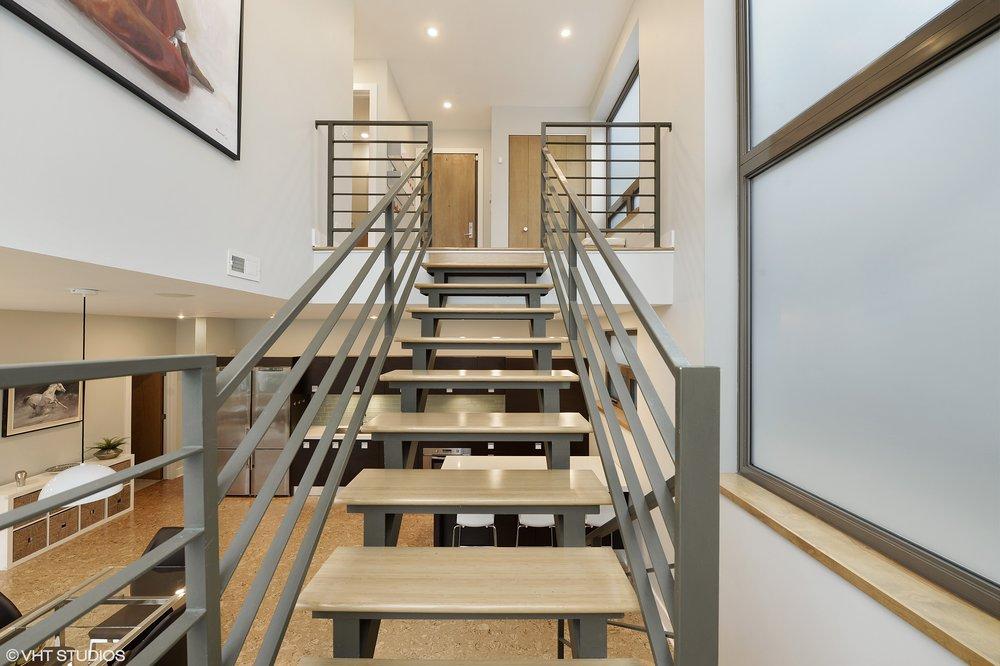 10_1529WestChestnutSt_101_68_Staircase_HiRes.jpg