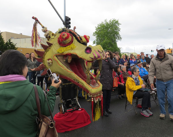 Dragon head, made of all recycled materials, brought up from San Francisco for the occasion by Recology, Astoria's garbage and recycling company.
