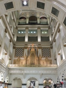 Giant pipe organ in Macy's— former Wannamaker Department store.