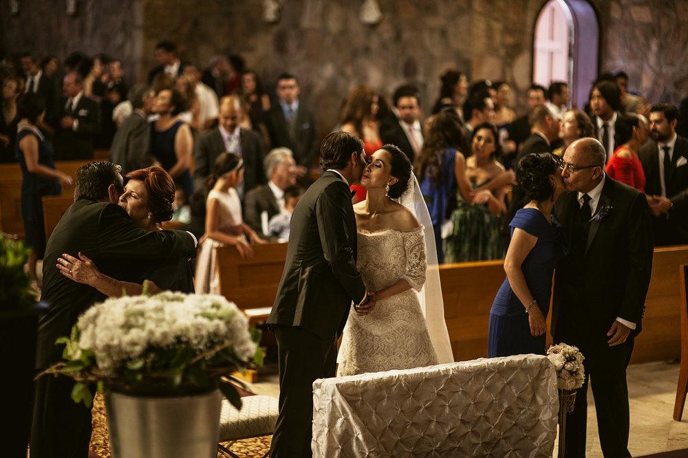 007-iglesia-de-piedra-wedding-ensenada.jpg