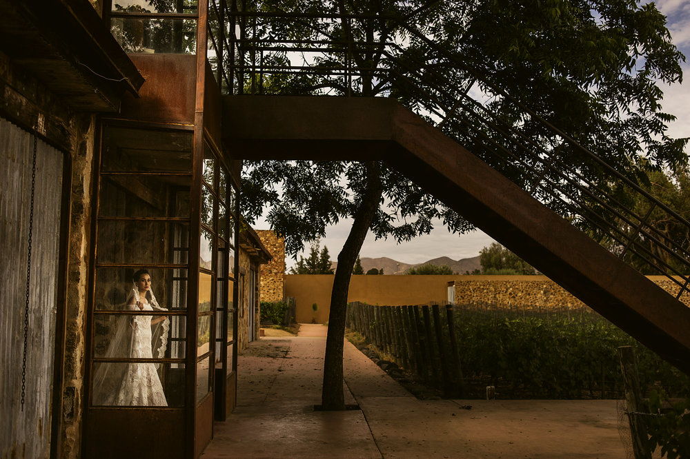 009-bride-art-wedding-vineyard-casa-de-piedra-ensenada.jpg