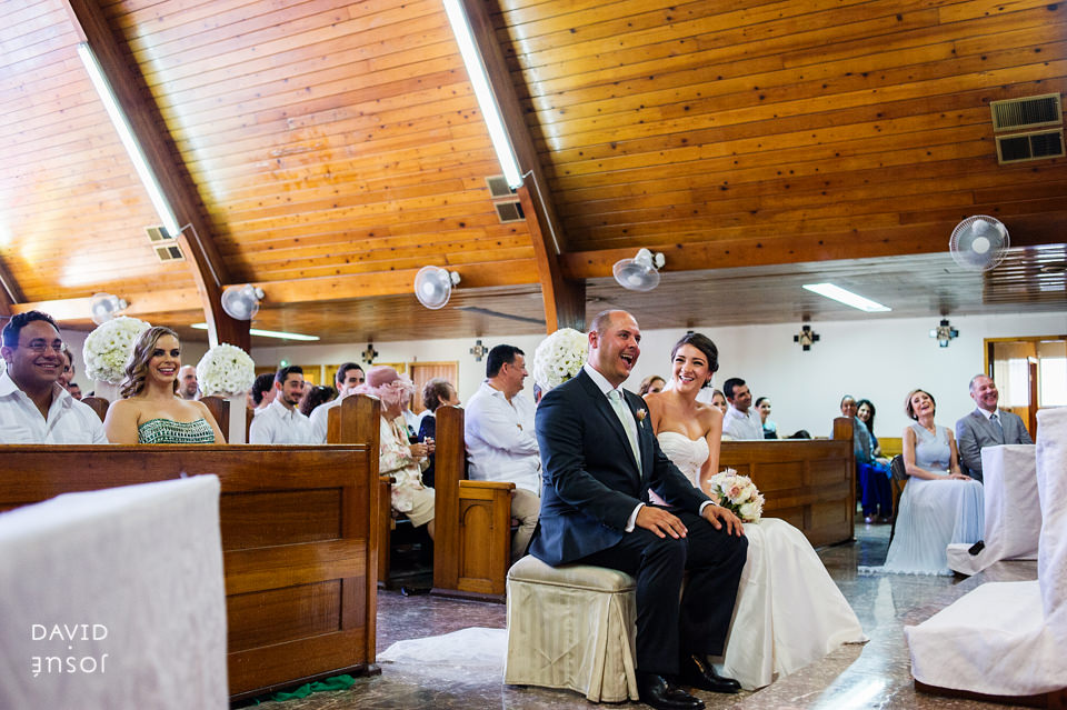 04-iglesia-boda-ensenada-novios.jpg