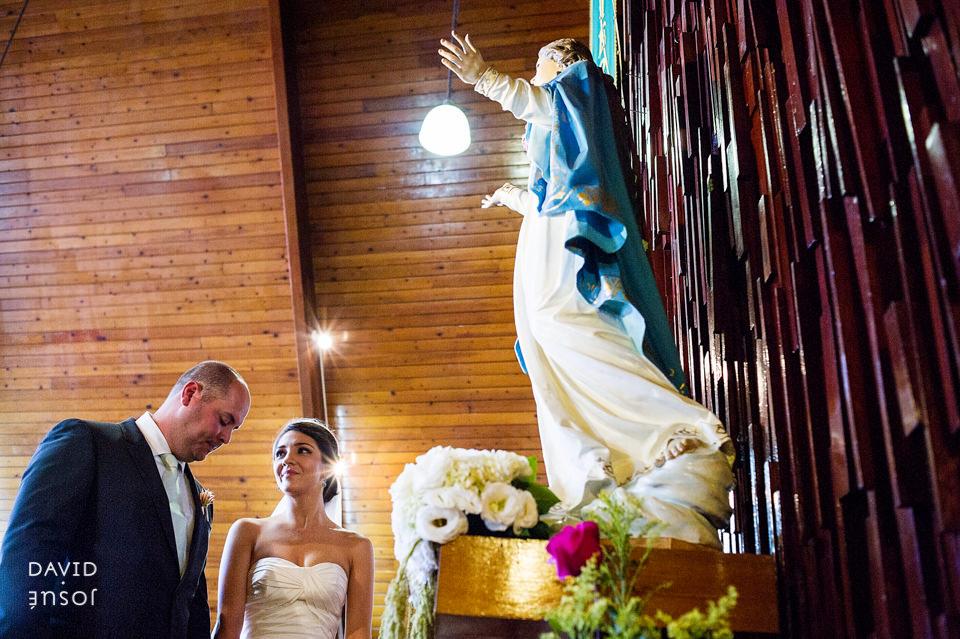 06-iglesia-boda-ensenada-novios-virgen.jpg