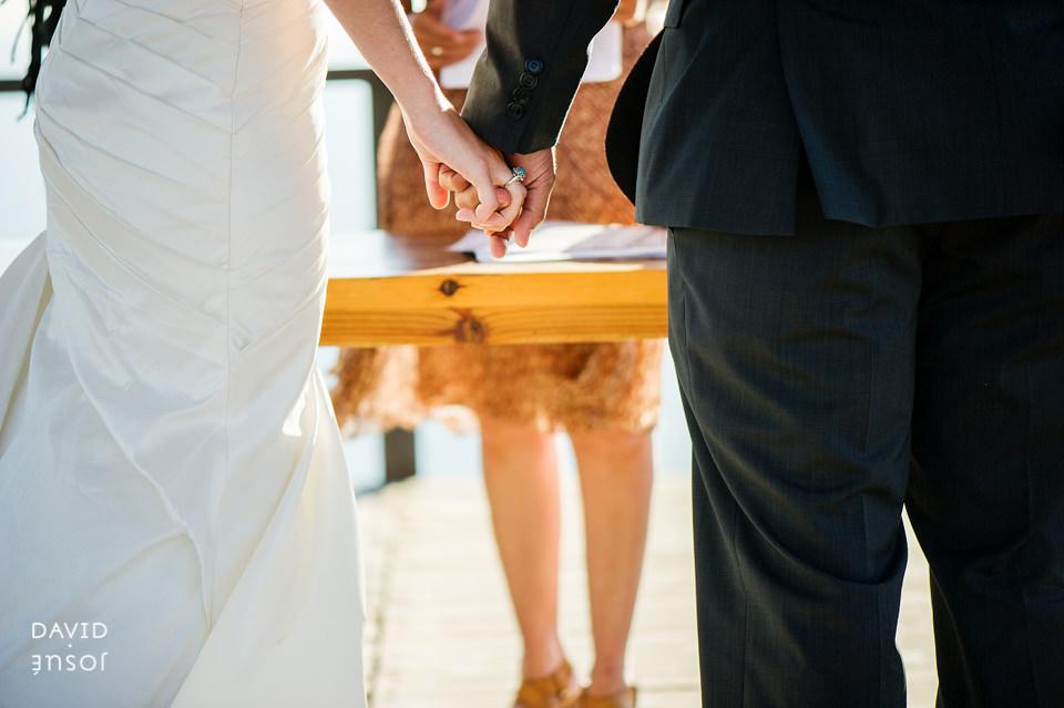 22-civil-novios-boda-cuatro-cuatros-rutadelvino.jpg