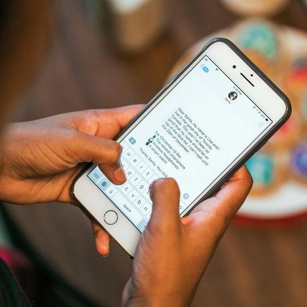 texting-santa-wish-list_925x.jpg