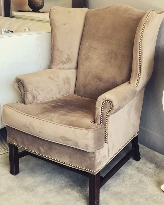 New pricing for these Chairs, two units available at only $300. #consignment #lavishinteriors #boldbellevue #chairs #theenhancedhome