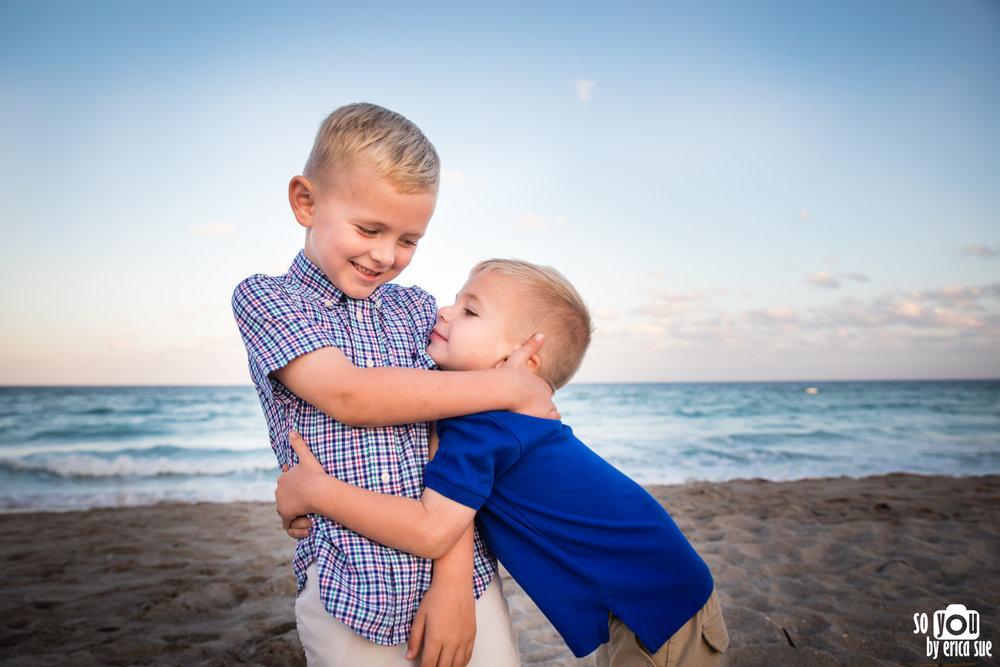 hollywood-beach-lifestyle-family-photography-0041.jpg