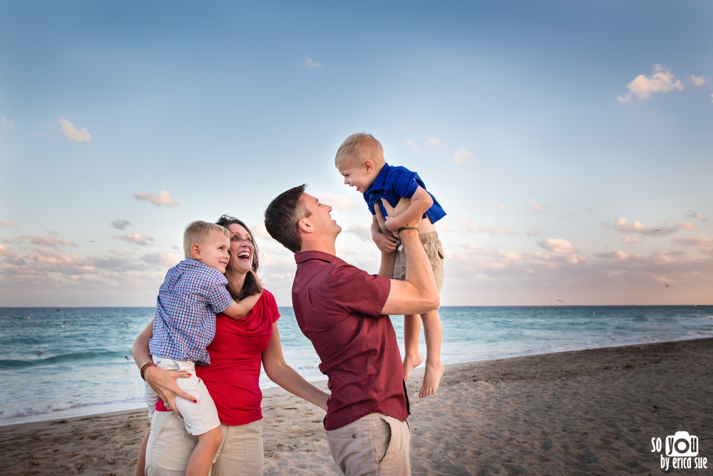 hollywood-beach-lifestyle-family-photography--3.jpg